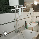Deckenlifter an der Badewanne